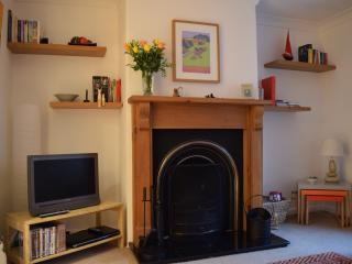 Amble Back a short stroll from everything you need - Fordingbridge vacation rentals