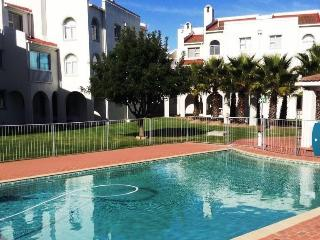 2 bedroom Apartment with Internet Access in Bloubergstrand - Bloubergstrand vacation rentals
