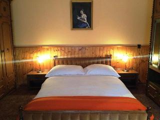 Bright 4 bedroom Balatonboglár Apartment with Grill - Balatonboglár vacation rentals