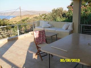 Bright 4 bedroom Karystos Villa with Television - Karystos vacation rentals