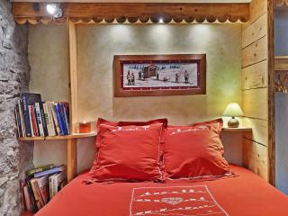 Beautiful 4 bedroom Bed and Breakfast in Les Carroz-d'Araches with Internet Access - Les Carroz-d'Araches vacation rentals