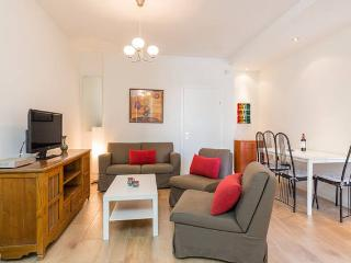 Bright 2 bedroom Condo in Kfar Saba with Internet Access - Kfar Saba vacation rentals