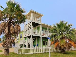 Fabulous 4 bedroom, 3.5 bath home in wonderful Royal Sands - Port Aransas vacation rentals