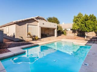 Lakeview with pool, quiet neighborhood - Avondale vacation rentals
