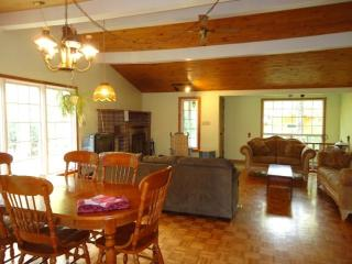 Cottage-house Eastern Township - Bolton-Est vacation rentals