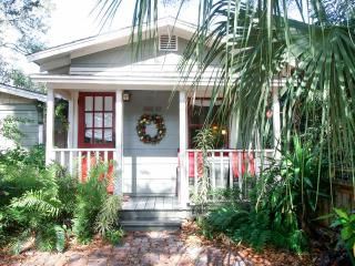 EREHWON RETREAT Arts & Craft Cottage - Tampa vacation rentals