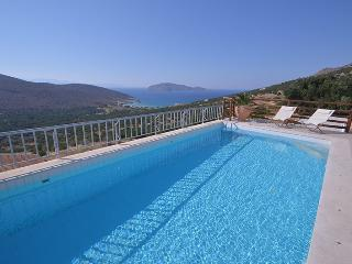 Tholos Bay Villas - Agios Nikolaos vacation rentals