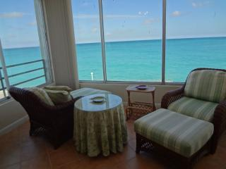 Beautiful Condo with Internet Access and A/C - Nassau vacation rentals
