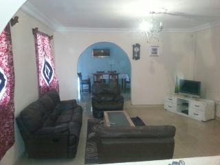 4 bedroom Bungalow with Internet Access in Lamin - Lamin vacation rentals