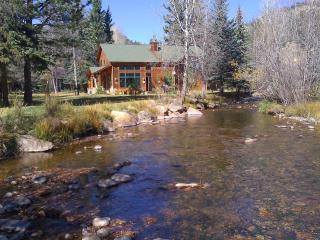 Cabin on Fall River, walk to RMNP and town - Estes Park vacation rentals