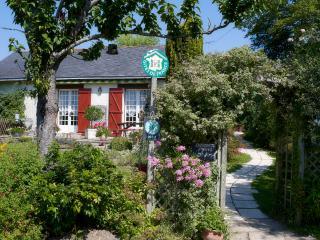 Chambre d'hôte entre canal et forêt - Saint-Omer-de-Blain vacation rentals