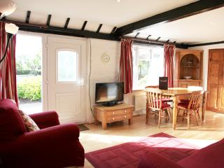 2 bedroom, Cottage 2, Sheephouse Manor, - Maidenhead vacation rentals