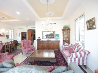 Shaarey Chesed Exclusive!! Huge!! - Jerusalem vacation rentals