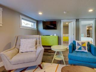 Mid-century, ground-level, modern oceanfront condo - dog friendly! - Oceanside vacation rentals