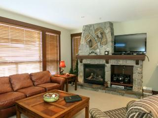 Big White Stonegate Resort Fabulous 2 Bed Condo with Private Hot Tub - Big White vacation rentals