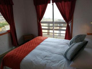 Cozy 2 bedroom El Tabo House with Television - El Tabo vacation rentals
