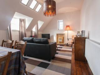 Holiday Apartment overlooking Edinburgh Castle - Edinburgh vacation rentals