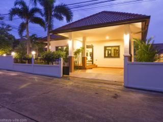 Baan Leelawadee Luxury Villa with pool in Pattaya - Pattaya vacation rentals