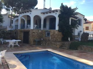 MORAIRA, CAP BLANC VILLA WITH POOL, 4 BEDROOMS. - Moraira vacation rentals