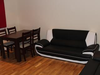 Two Bedrooms Apartment Very Near from Station (E) - London vacation rentals
