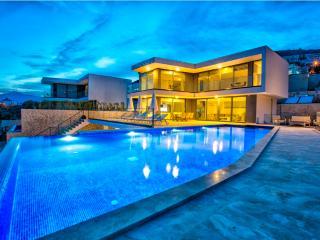 Villa/4 bedroom/8 sleep/5 night min stay - Kalkan vacation rentals