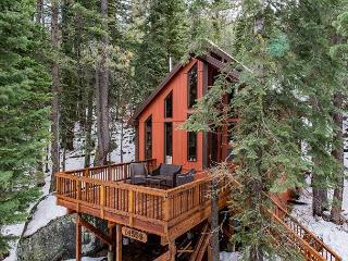 Handcrafted Forest Home in Truckee – Sleeps 8 - Truckee vacation rentals