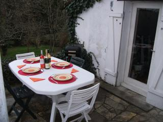 Charming house with large private rear garden - Montmorillon vacation rentals