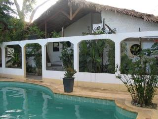 loue villa les pieds dans l'eau - Ambatoloaka vacation rentals