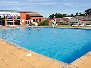 Valley farm 6 Berth Luxury Holiday Home Clacton - Clacton-on-Sea vacation rentals