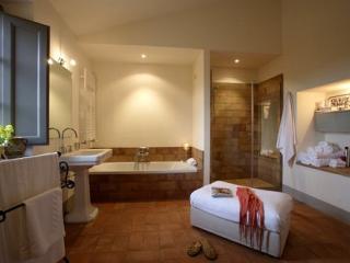 Il Sismano-Avigliano Umbro, nr Todi, Umbria|Sleep8 - Avigliano Umbro vacation rentals