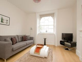 Classic 1 Bedroom in Marylebone - London vacation rentals