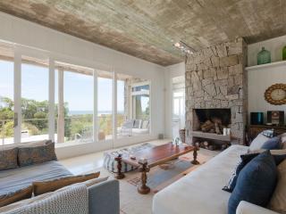 Outstanding 3 Bedroom Beach House in La Boyita, one of the most exclusive spots in Punta del Este - Manantiales vacation rentals