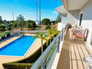 Farnell White Apartment, Albufeira, Algarve - Olhos de Agua vacation rentals
