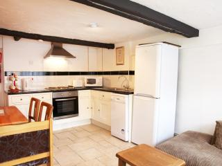 3 bed appt, sleeps 6, West Wing Sheephouse Manor - Maidenhead vacation rentals