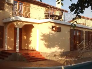 4 bedroom Villa with Internet Access in Kosharitsa - Kosharitsa vacation rentals