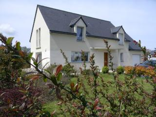 4 bedroom holiday property 10 minute walk to beach - Saint-Cast le Guildo vacation rentals