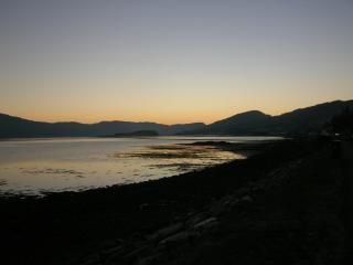 Modern, comfortable, & well equipped sleeps 2-4 - Lochcarron vacation rentals