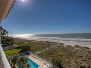Oceanway Gulf Front Corner Penthouse Condo 2BR/2BA - Indian Rocks Beach vacation rentals