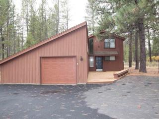 Nice 3 bedroom House in Sunriver with Deck - Sunriver vacation rentals