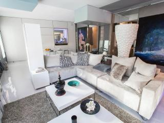 le blue 2  : appart de 75m2 - Paris vacation rentals