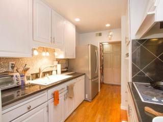 Furnished Condo at Brittan Ave & Crestview Dr San Carlos - San Carlos vacation rentals
