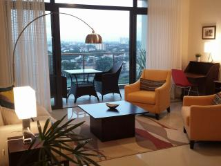 2 bedroom Condo with Internet Access in Colombo - Colombo vacation rentals