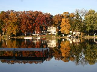 Upscale Fully Remodeled 4BR Home on The Fox River - Waterford vacation rentals