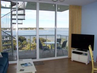 DESTIN WEST-Bay Side Penthouse,1 BR+Bunk Room,2BAT - Destin vacation rentals