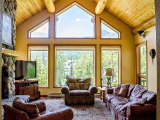 UPDATED 4BD HOME, SKI ACCESS, HOT TUB, FIREPLACE - Big Sky vacation rentals