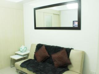 Suites 3 w/balcony, free wifi - mall of asia - Pasay vacation rentals