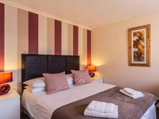 Shorley Wall - Parking & Close to Beaches & Town - Broadstairs vacation rentals