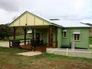 3 bedroom House with A/C in Darlington - Darlington vacation rentals