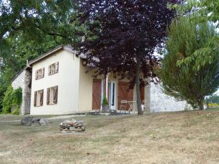 L'Auvent: Cottage in natural environment - Monflanquin vacation rentals