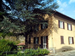 Alloggio a 20 minuti di auto dal Serravalle Outlet - Cantalupo Ligure vacation rentals